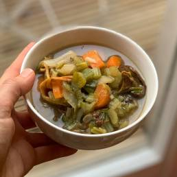 A healthy 8 mushroom broth recipe by nutritionist Jennifer Medhurst