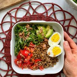 A healthy lentil, rocket and avocado salad recipe by nutritionist Jennifer Medhurst